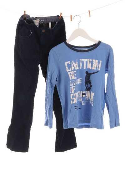 Cordhose und Shirt