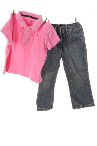 Jeans und Polo-Shirt