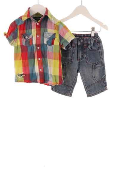 Kinder Hemd und kurze Jeans