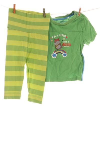 Shirt und Leggings