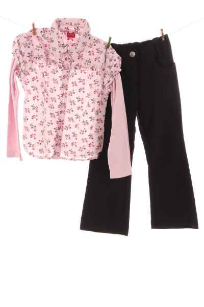 Blusenshirt und Hose