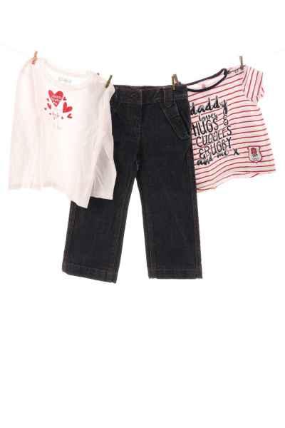 Jeans und Shirts