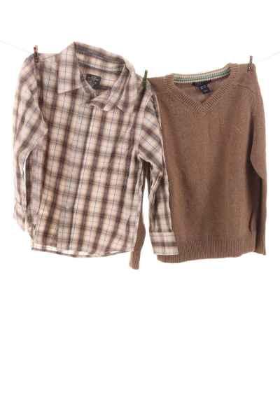 Pullover und Hemd