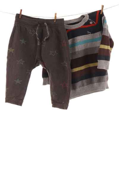 Jogginghose und Pullover