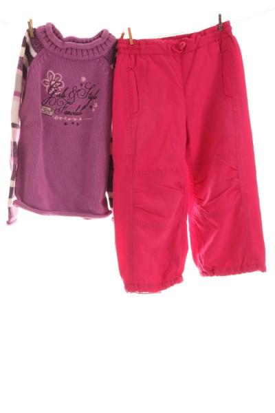 Pullover und Hose