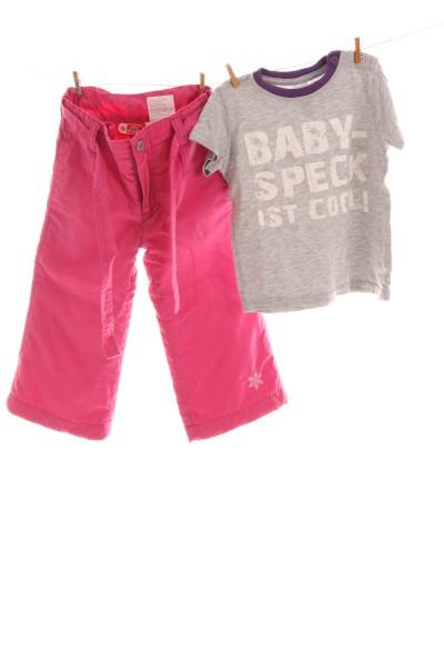 Hose und T-Shirt