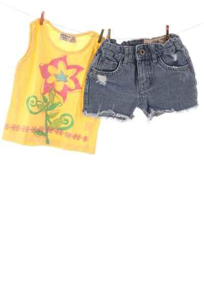 Top und Jeansshorts