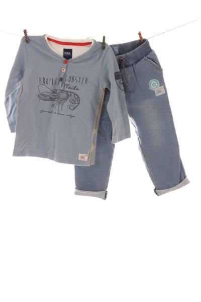 Langarmshirt und Jogginghose