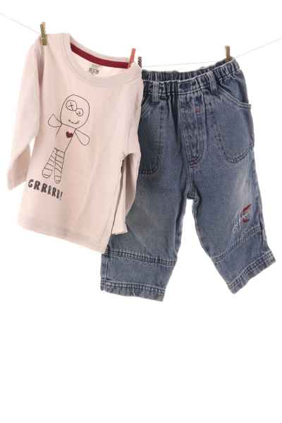 Langarmshirt und Jeans