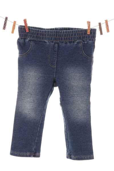 Jeans mit Glitzernaht