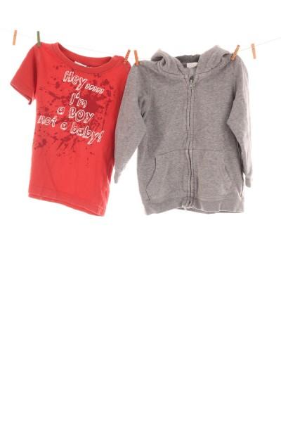 T-Shirt und Kapuzenpullover