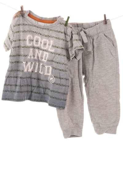 Jogginghose und T-Shirt