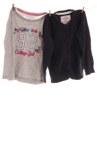 Strickjacke und Shirt