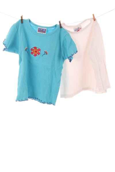 T-Shirt und Langarmshirt