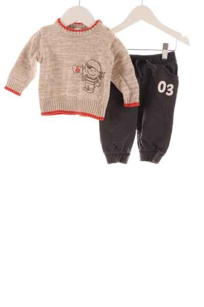 Baby Strickpullover und Jogginghose