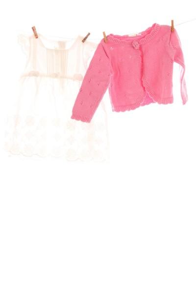 Kleid und Strickweste