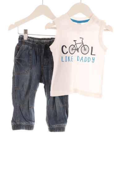 Baby Jeans und ärmelloses Shirt