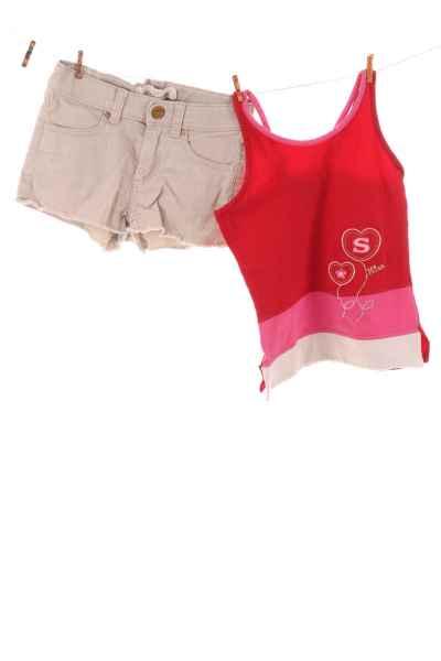 Shorts und Top